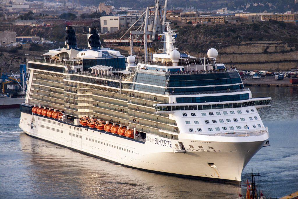 Croaziera in Tara Sfanta pe vasul Celebrity Silhouette