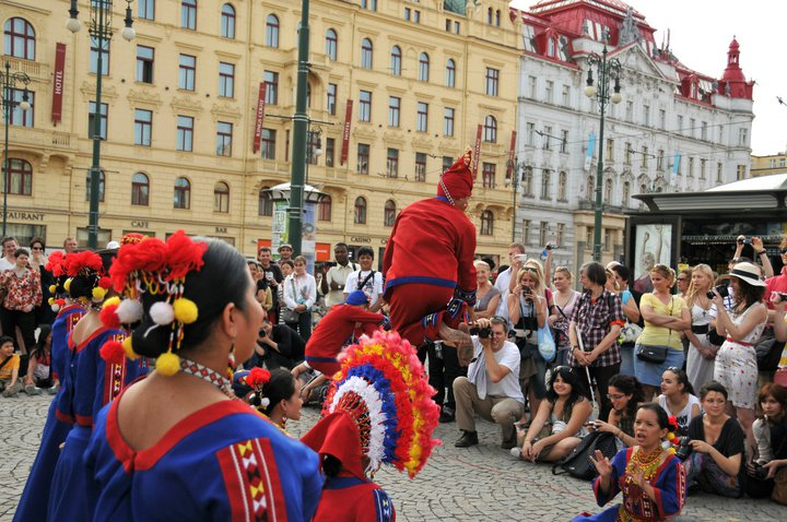Super Party la Praga ! Reggaeton, Salsa, HipHop, Kuduro...