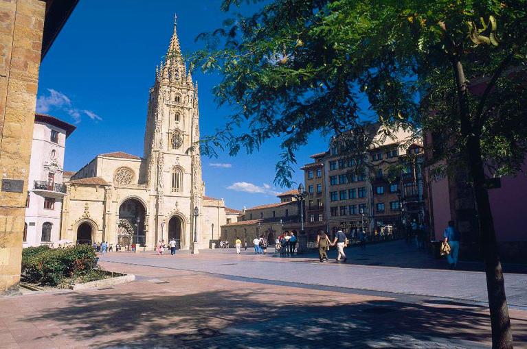 "Program de drumetii din Oviedo in Santiago de Compostela - ""Drumul pelerinilor"""