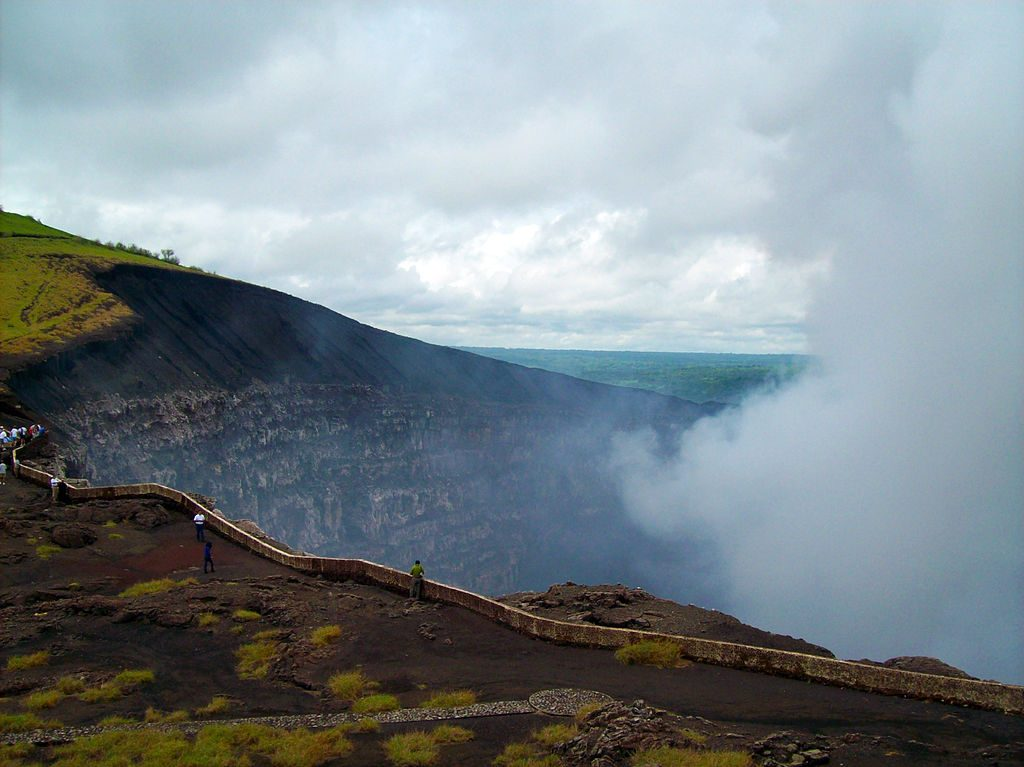 Descopera Nicaragua: Colonii si vulcani