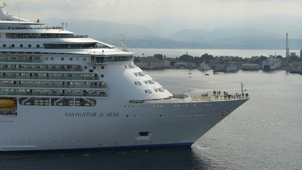 🌴 Vacanta la maximum in Caraibe, pe Navigator of the Seas!