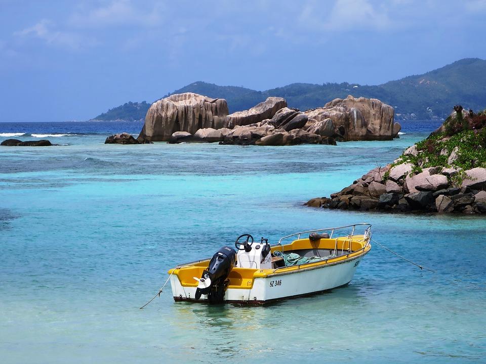 Island Hopping - SEYCHELLES