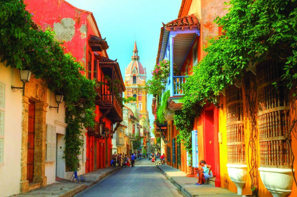 Descopera orasele Bogota si Cartagena