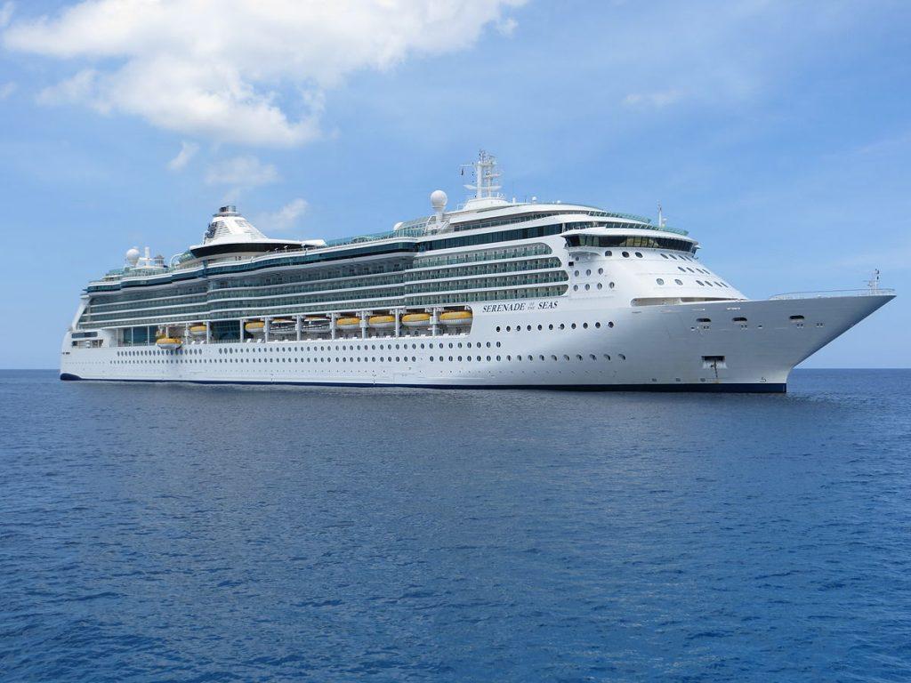 13 nopti in Scandinavia si Rusia pe vasul Serenade of the Seas