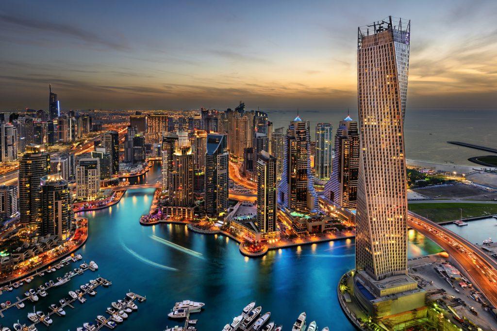 Hilton Dubai Jumeirah Beach 5* - demipensiune gratuita!
