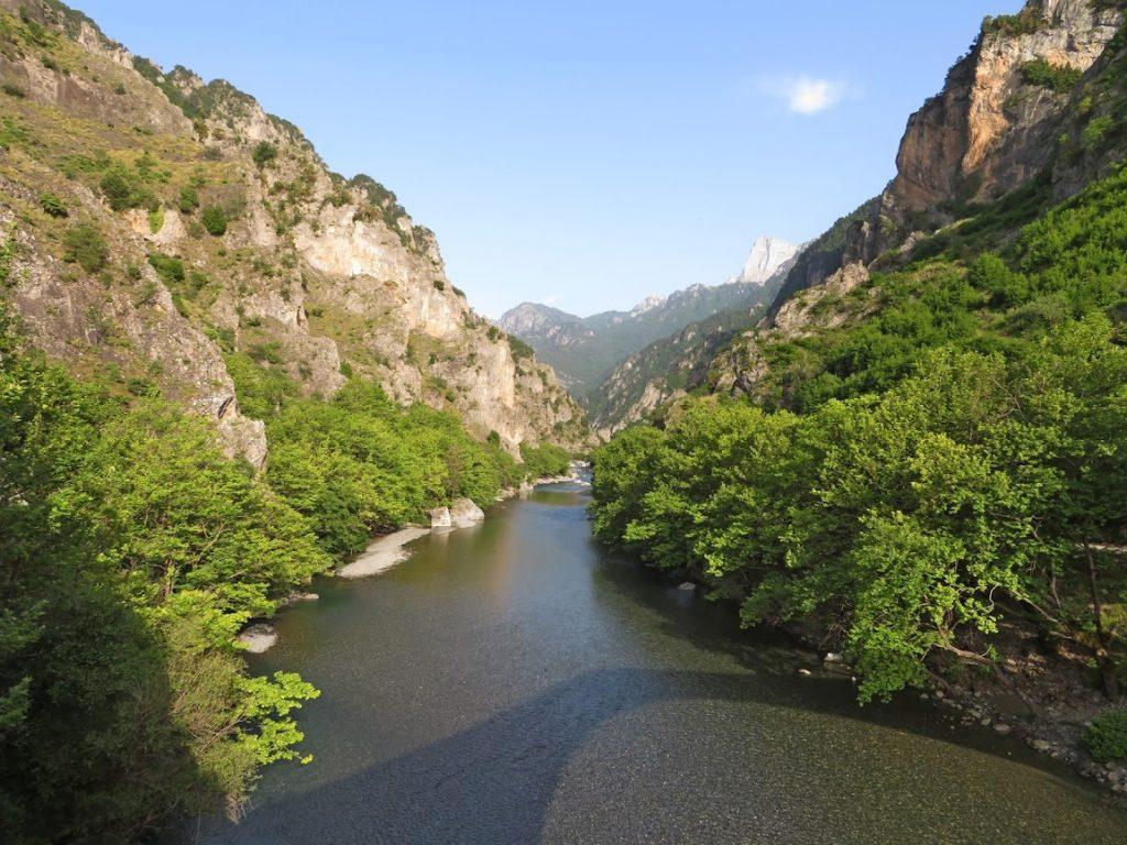 Drumetie in Zagori prin defileul Vikos